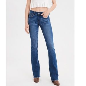 American Eagle Outfitters Kick Boot Jeans (Short)